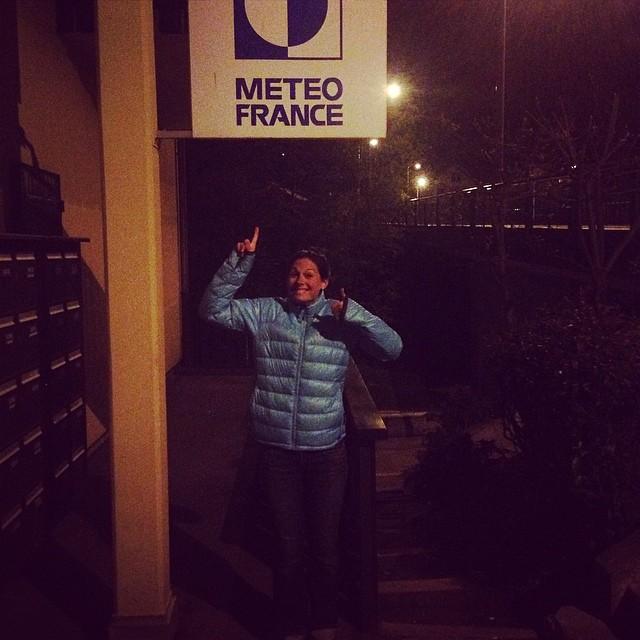 Carro är mycket nöjd efter att hon hittat Meteo France i Chamonix. Undrar om dom behöver en till meteorolog?!