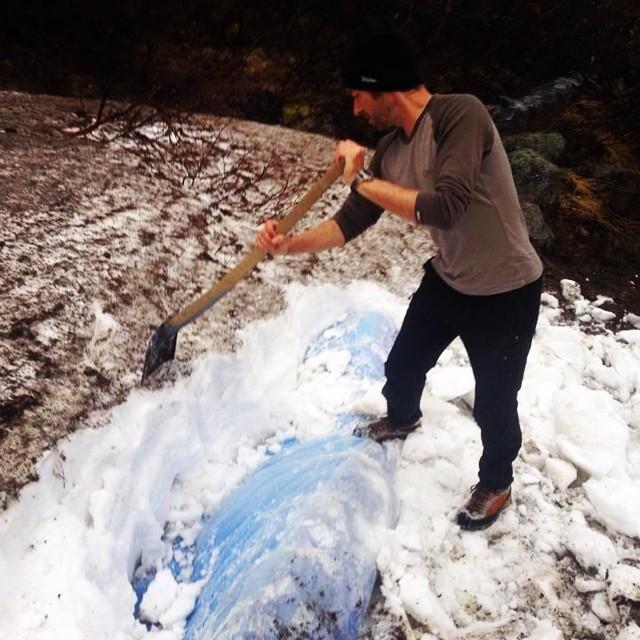 Om du vill skotta snö kom till Kebnekaise!