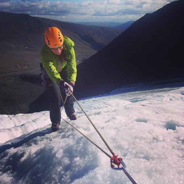 Sprickrädning på isfallsglaciären!#glaciärkurs #tarfala #kebnekaise #stf #bergsresor