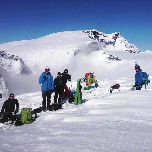 En lyckad Steep ski vecka med både Rullevare och Palins avslutades med sol och puder på Toulpagorni!#kebnekaise #toulpagorni #steepski #skitour #bergsresor #elevenate #dynastar