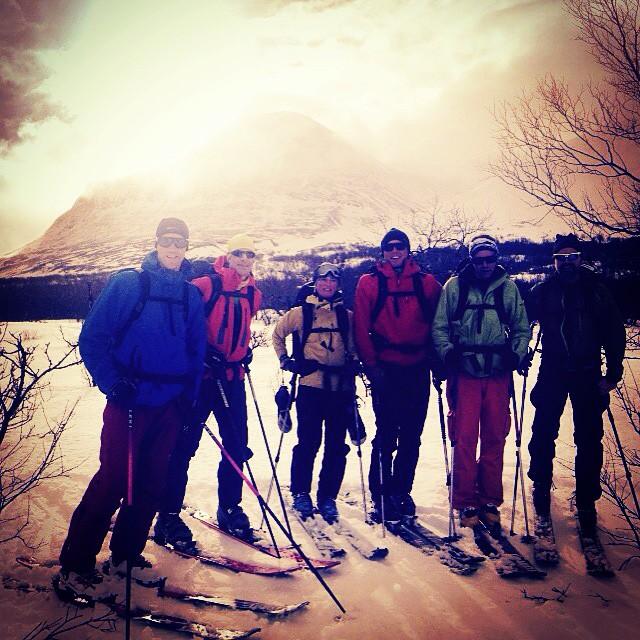 Klass 1 varning stoppar oss inte från topptur i Ahkka!#bergsresor #elevenate #dynastar