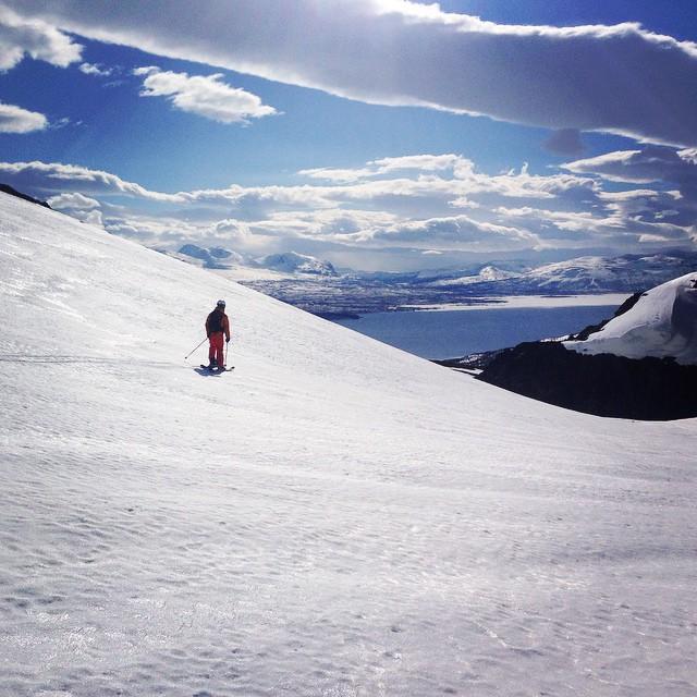 Skön vårsnö norr  om Torneträsk!#bergsresor #heliskiguidessweden #skiersaccredited #elevenate #dynastar