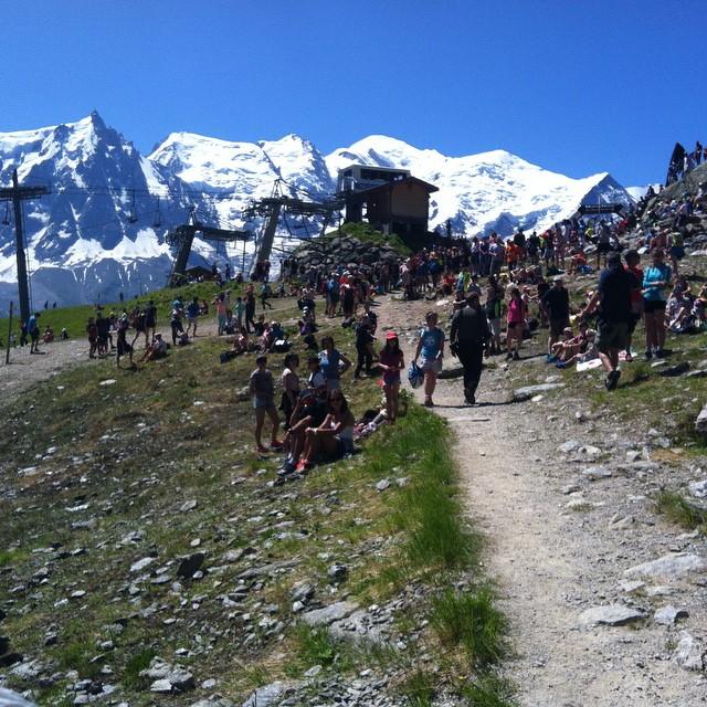 Målgången på Chamonix Marathon! Grymt väder och mycket folk ute längs banan. Bra jobbat alla tävlande i värmen! #chamonix #chamonixmarathon #bergsresor  #trailrun #elevenate #giro