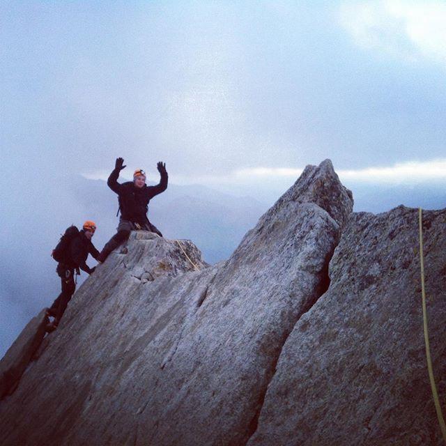 Chamonix och högsäsong innebär inte alltid massa andra klättrare på berget, idag var vi ensamma på Tour Rond! #chamonix #klättring #bergsresor #elevenate