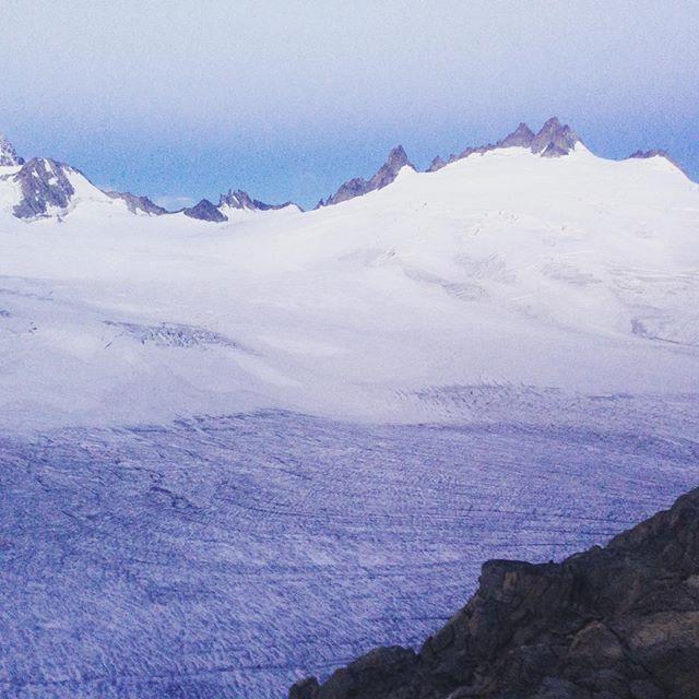 Godmorgon från Trient! #bergsresor #chamonix #elevenate #dynastar
