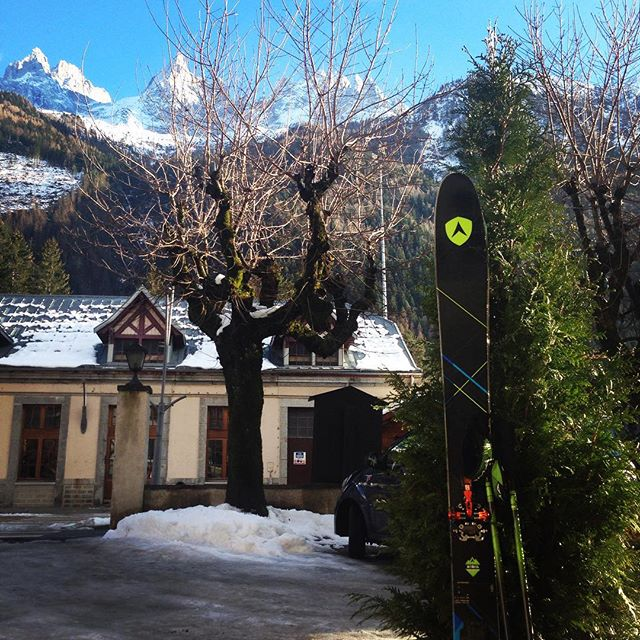 Skidsemester i december kan jag rekommendera. Sol, bra åkning och lugnt tempo på berget! #grandmontets #chamonix #bergsresor #elevenate #dynastar