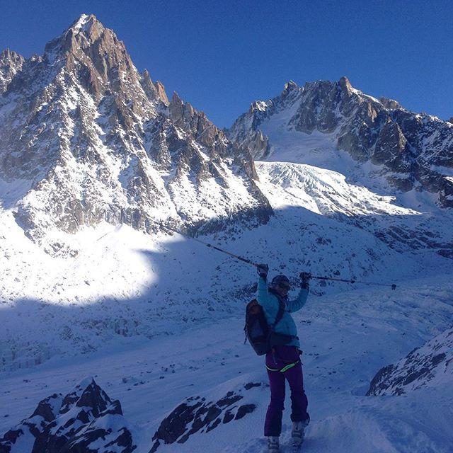 Fortsatt högtryck över Chamonix, men det skulle behövas ett dump för att fylla igen alla hål på glaciären! #chamonix #bergsresor #grandmontets #dynastar #elevenate