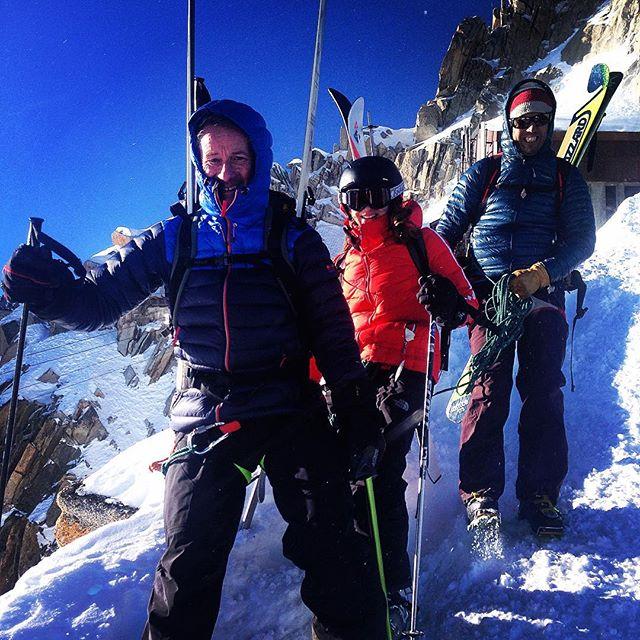 Fin dag i bergen med en go familj från London!#aiguilledumidi #chamonix #bergsresor #elevenate #dynastar