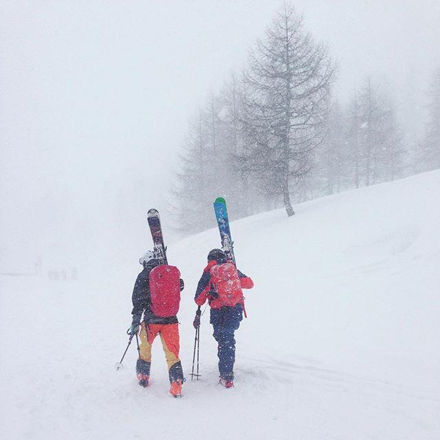 Äntligen ordentligt snöfall!#bergsresor #argentiere #chamonix #dynastar #elevenate