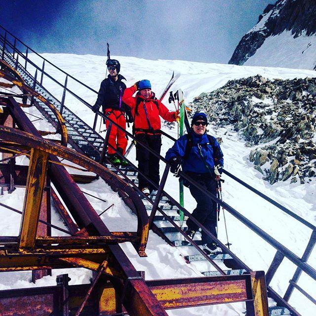 Stora glaciärer och fina skidåk mixade med stål och rostiga trappor! #chamonix #glacierdetoule #elevenate #dynastar #bergsresor