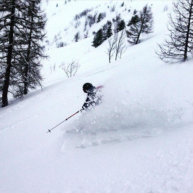 @carolainen kör så det yr!#grandsmontets #chamonix #elevenate #dynastar #bergsresor