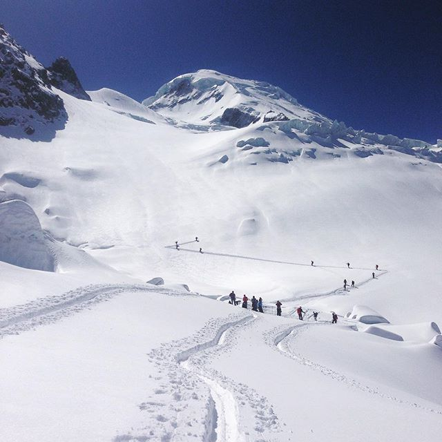 Många som tänkt samma tanke att Mont Blanc är en bra tur för imorgon!#montblanc #chamonix #elevenate #dynastar #bergsresor
