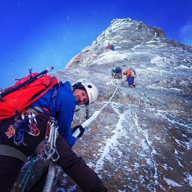 Fina men tuffa förhållanden på Dent du Geant, is, snö och väldigt kallt precis som det ska vara på en nordsida.#dentdugeant #chamonix #sbo #bergsresor #elevenate