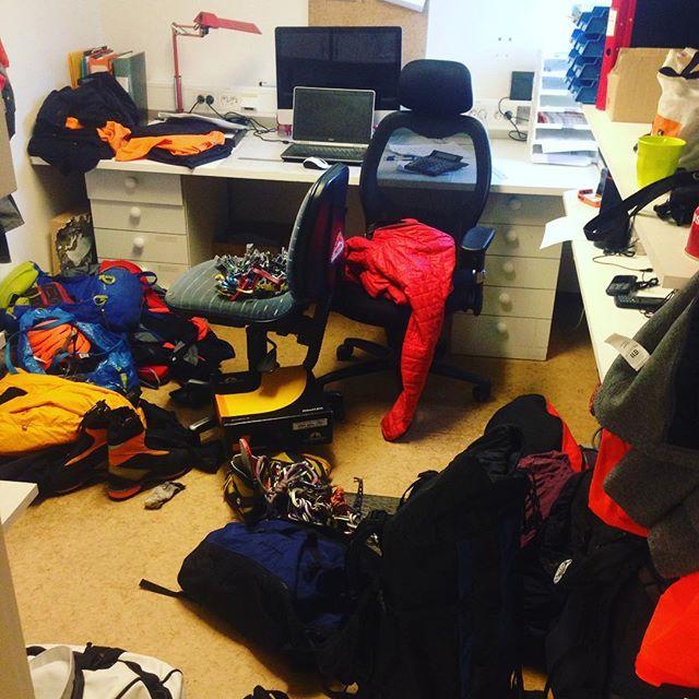 Kanske borde lägga en dag på kontoret och komma ikapp?!#högsäsong #kebnekaise #stf #bergsresor #elevenate #g3