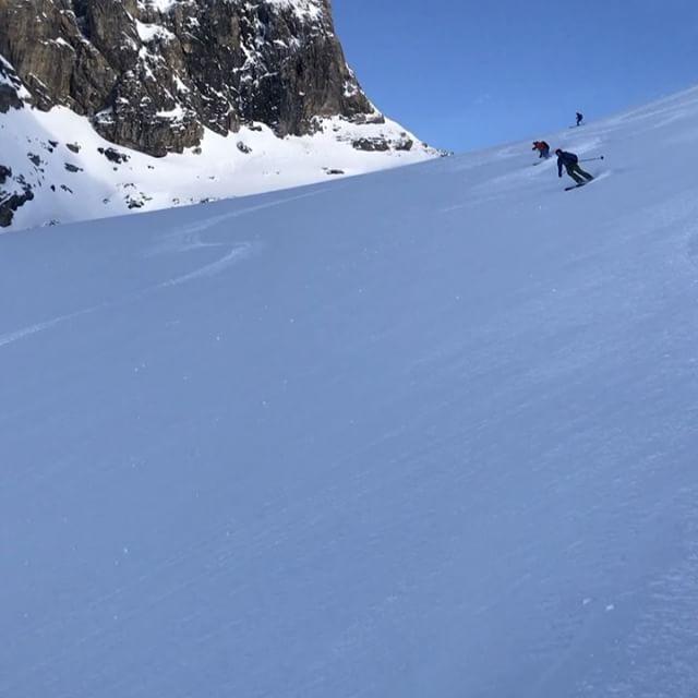 Hökarängen levererar grymt material till nästa skidfilm!#skitouring #engelberg #bergsresor #elevenate #dynafit #g3