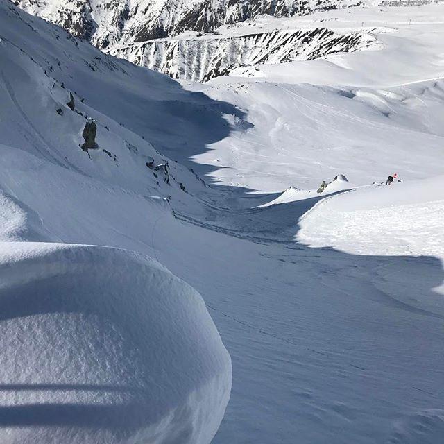 Äntligen blev det en skimo tur i Le Tour och fortsatt fin orörd snö om man söker lite! #letour #chamonix #skimo #bergsresor #dynafit #elevenate