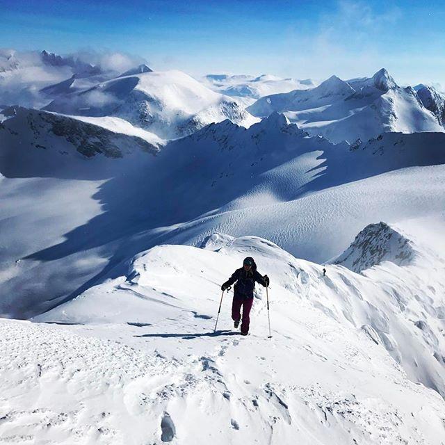 Bra start på påskhelgen med tur på Storfjellet!#storfjellet #narvik #skitouring #bergsresor #g3gear #elevenate #dynafit