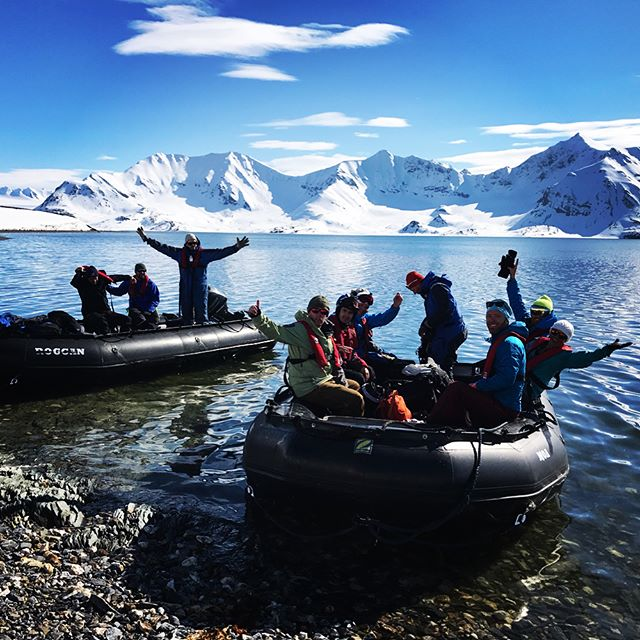 Svalbard levererar verkligen natur och skidåkning av bästa sort!#svalbard #bergsresor #arcticguides #elevenate #g3gear #dynafitsweden