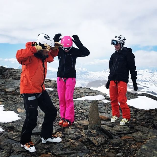 Midsommarhälsning från norr!!#arcticguides #bergsresor #elevenate #g3gear #dynafitsweden