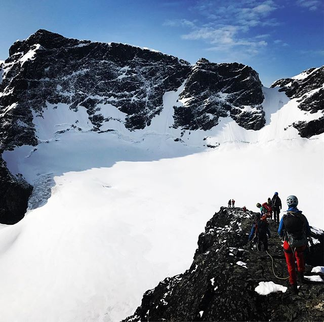 Avslutade svenska klätterförbundets alpin/glaciärkurs i Tarfala med perfekta förhållanden på södra klippberget#tarfala #bergsresor #elevenate #dynafitsweden #svenskaklätterförbundet