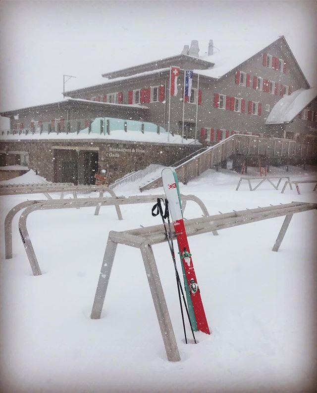 Lugnt på lunchen idag, med stighudar gör det inget om liften är stängd! #bergsresor #g3skis #dynafitsweden #elevenate