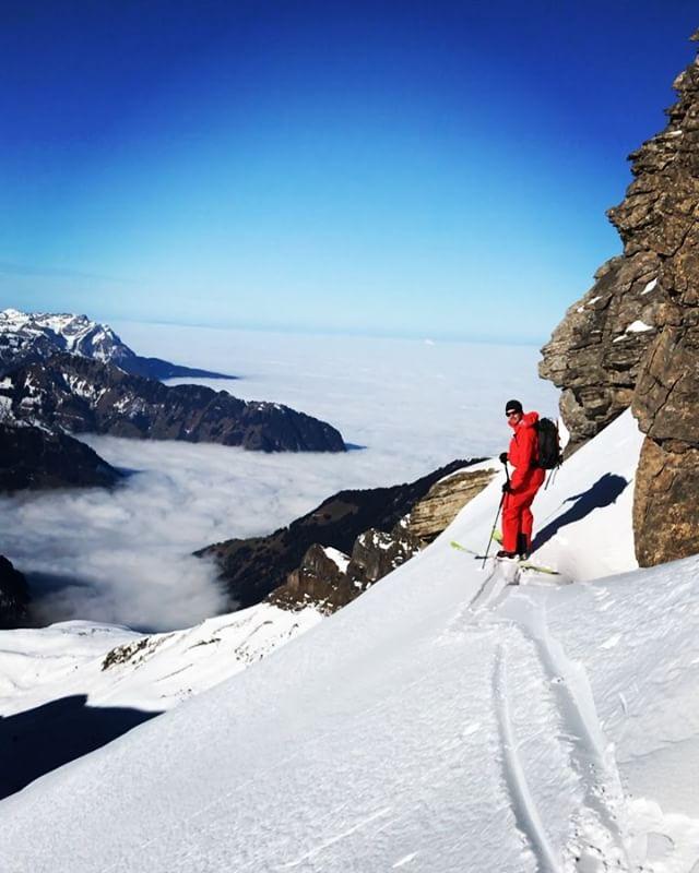 Efter lite sökande så kör vi ospårat igen! @linusarchibald #engelberg #bergsresor #elevenate #dynafitsweden