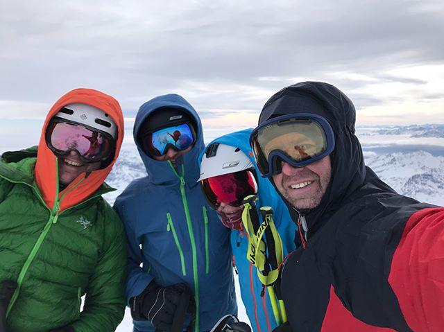 Kyligt på 4215möh idag men gött att vara på höjd igen!#pyramidvincent #gressoney #bergsresor #g3skis #elevenate #dynafitsweden