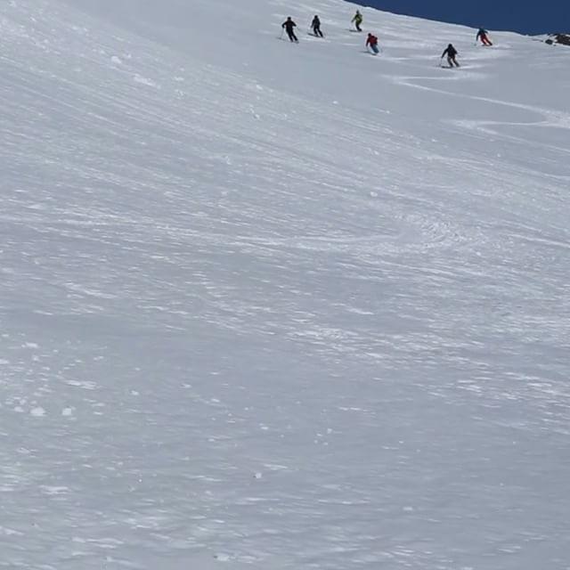 Ett glatt gäng danskar!#campnarvik #bergsresor #arcticguides #elevenate #dynafitsweden #g3skis